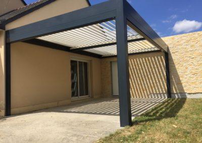 Pergola bioclimatique à Bélligné – 44370