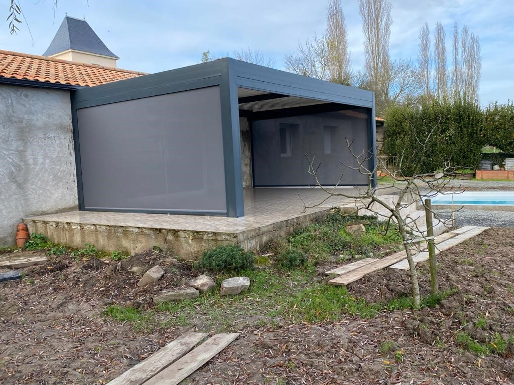 Pergola Bioclimatique Chateau-Thebaud